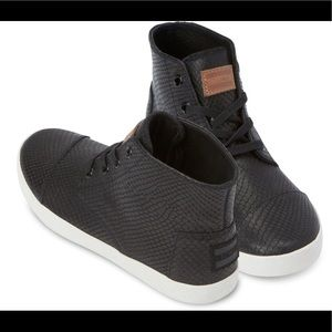 TOMS Black Leather Snake Women's Paseo sneakers